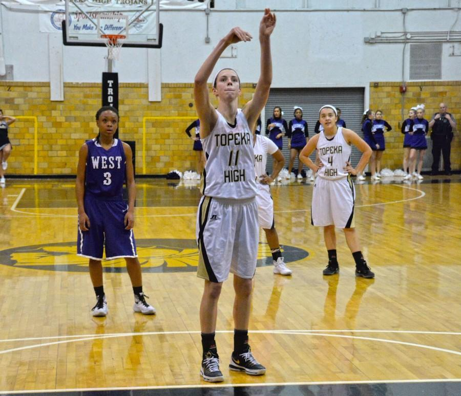 Ida+Pieschl%2C+senior%2C+shoots+a+free+throw+after+getting+fouled+early+on+in+the+first+game+of+the+night.