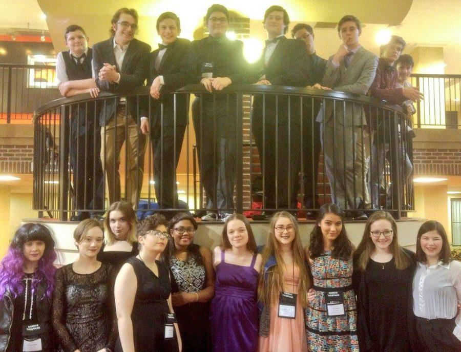 Topeka+High+Thespians+pause+for+a+group+picture+during+Conference.