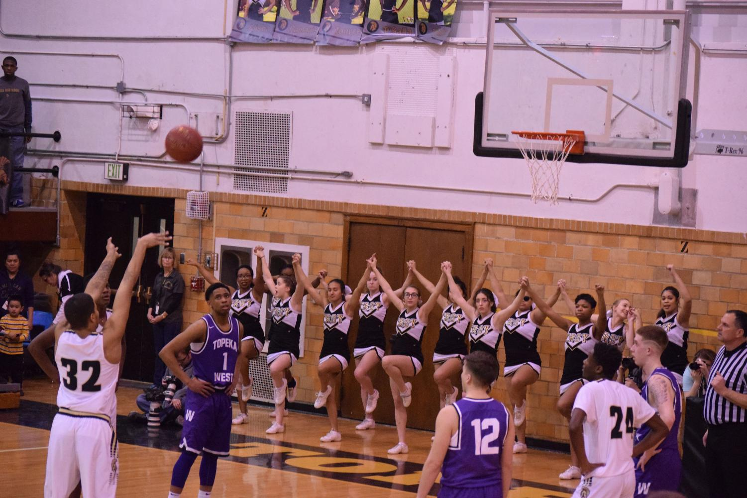 Topeka+High%27s+Darren+Canty+%2812%29+shoots+at+the+free-throw+line.